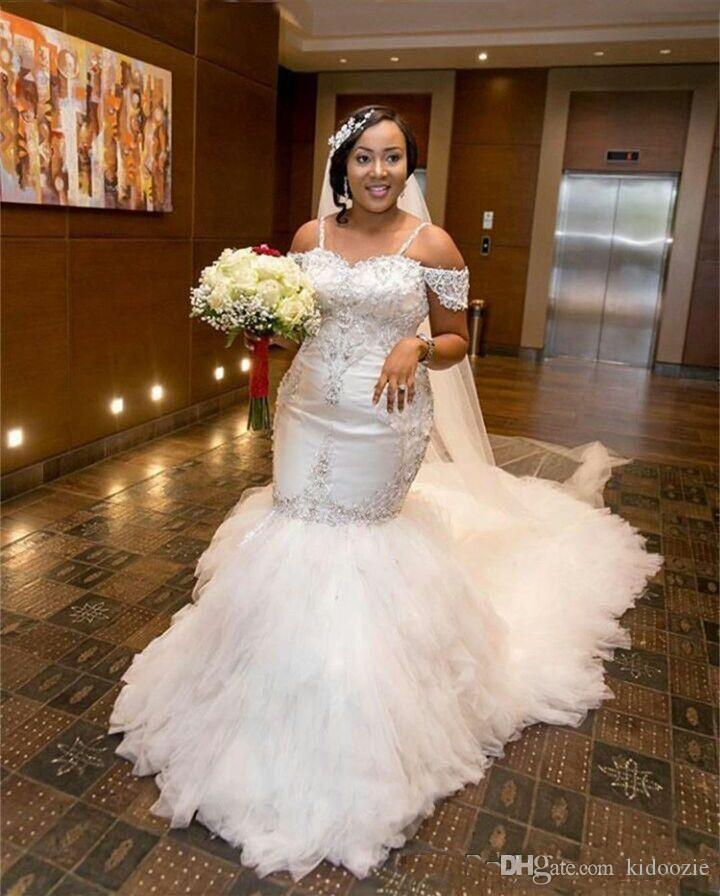 2019 New Lace Preto Appliqued Africano Mulheres Sereia vestidos de casamento da praia do verão nupcial Vintage vestidos longos Sweep Trem Plus Size