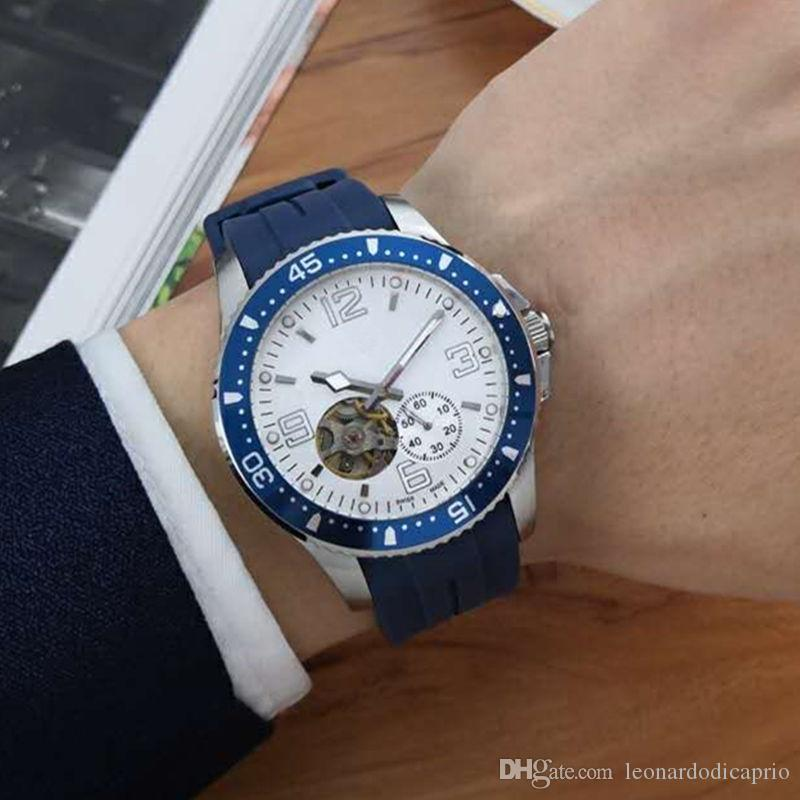 Mens Watches Luxury Designer Watches Automatic Mechanical Movements 316L Stainless Steel Cases Mineral Crystal Glass Blue Rubber Strap X268