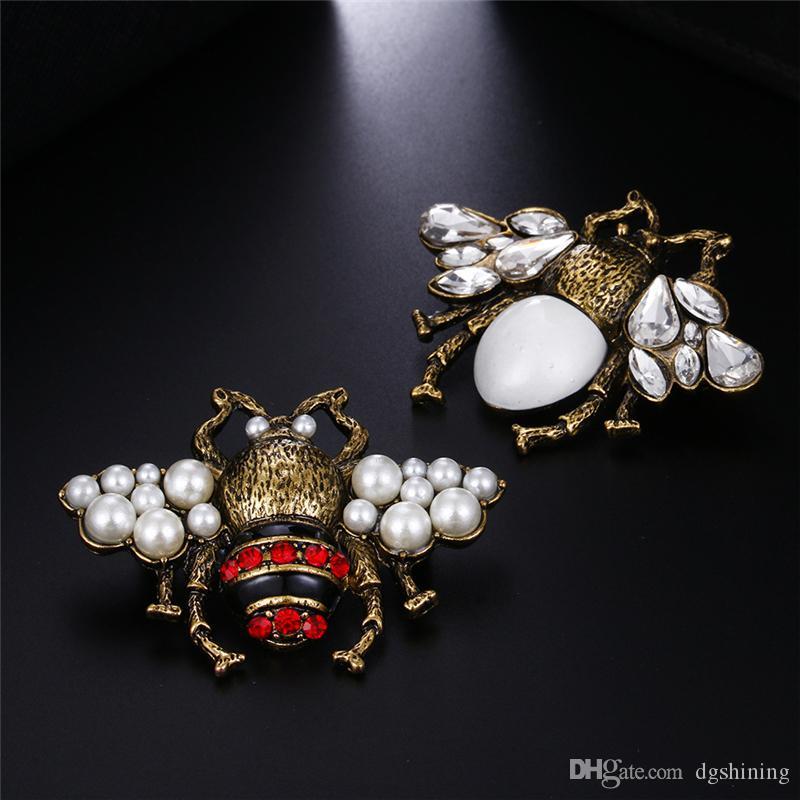 Pins Honeybee spilla di diamanti Bee Pins dal design di lusso Spille in lega di zinco strass Moda Donna insetti Maglione