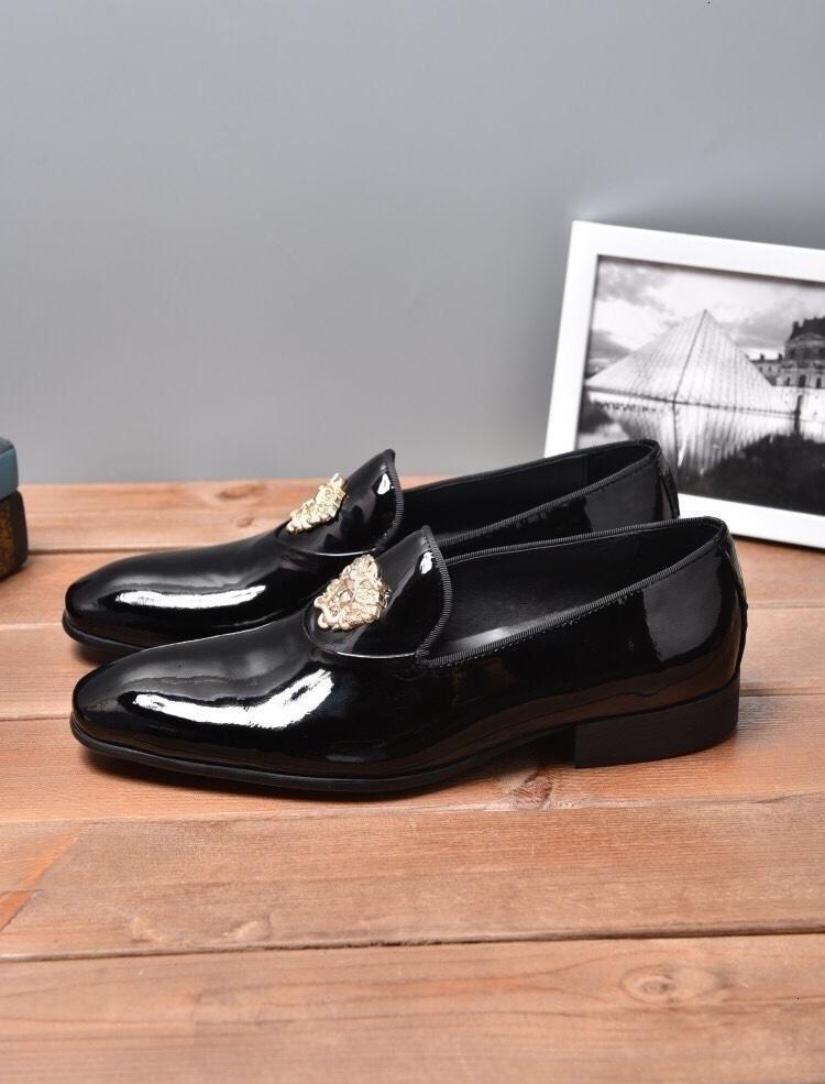 2019 formale Kleid-Schuhe für Gentle Männer aus schwarzem Leder Little bee Toe Geschäft Oxfords Freizeit komfortabel