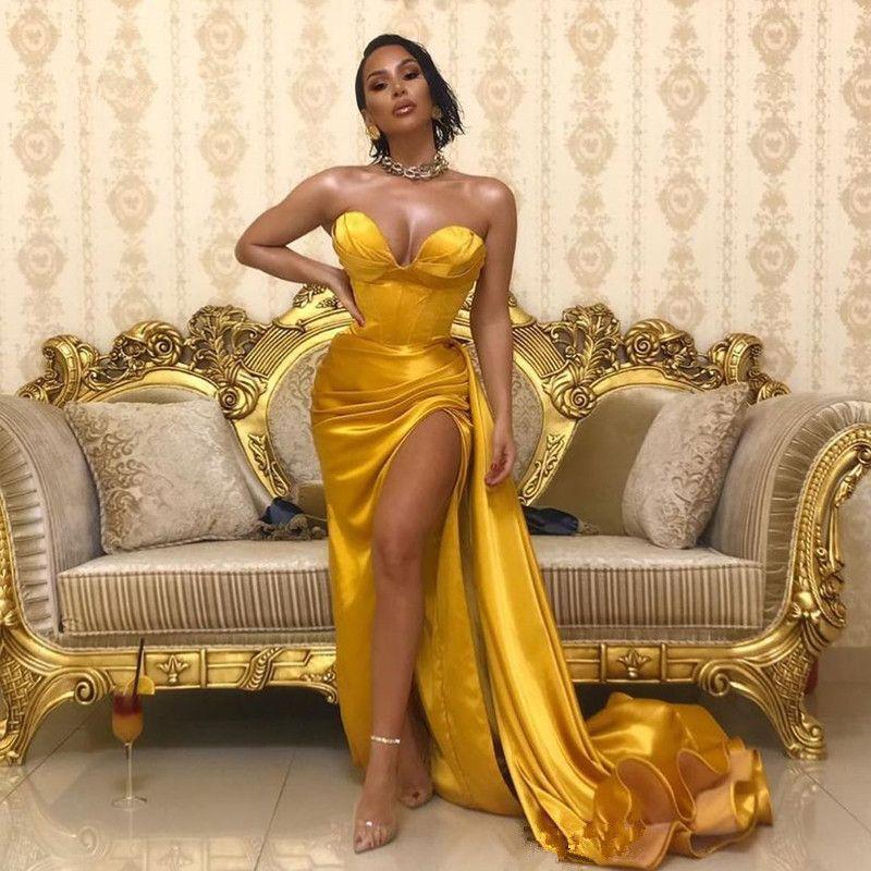 Sarı Altın Sevgiliye Saten Mermaid Bölünmüş Gelinlik 2020 Siyah Kız Dantelli Örgün Sweep Tren Örgün Abiye