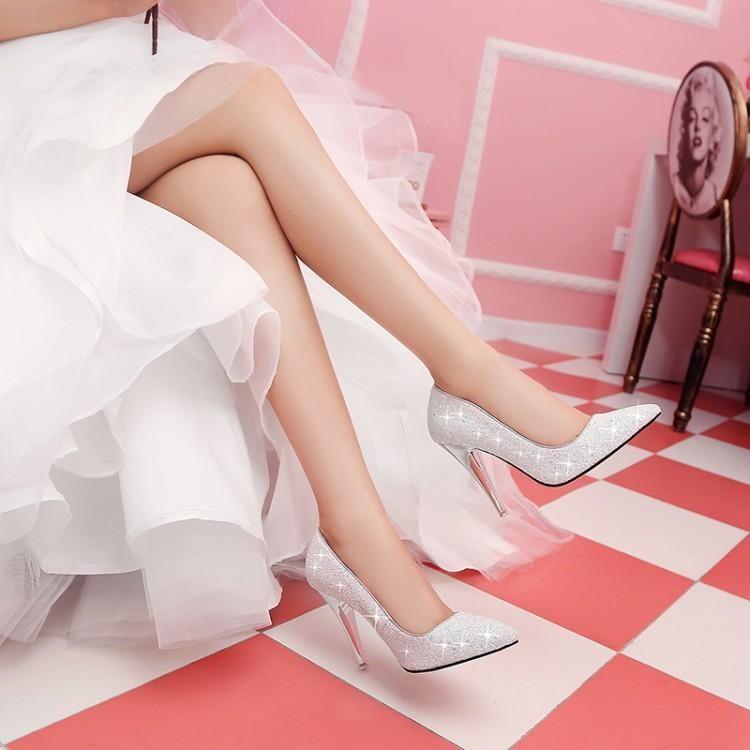 donne pompa foto reale punto di bianco in pelle di paillette di punta in gomma sottile inferiore scarpe tacchi alti delle pompe vestito da partito slittamento sulle scarpe abito da sposa