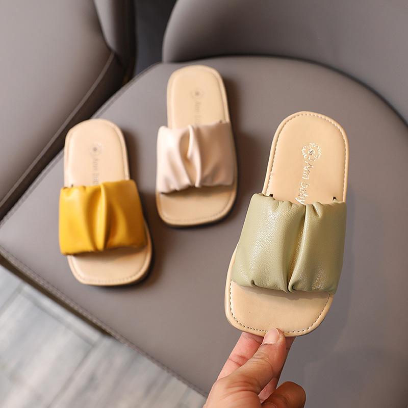 القادمون الجدد 2020 أحذية الأطفال الفتيات النعال أزياء الصيف PU في الهواء الطلق الصنادل والنعال للأطفال بنات الشرائح الأصفر البيج