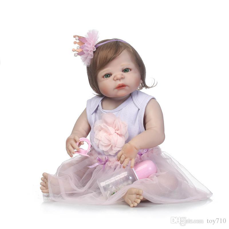 57cm Lovely Full Silicone Sumilation Reality Baby recién nacido con corona Tocado de silicona Reborn Baby Dolls