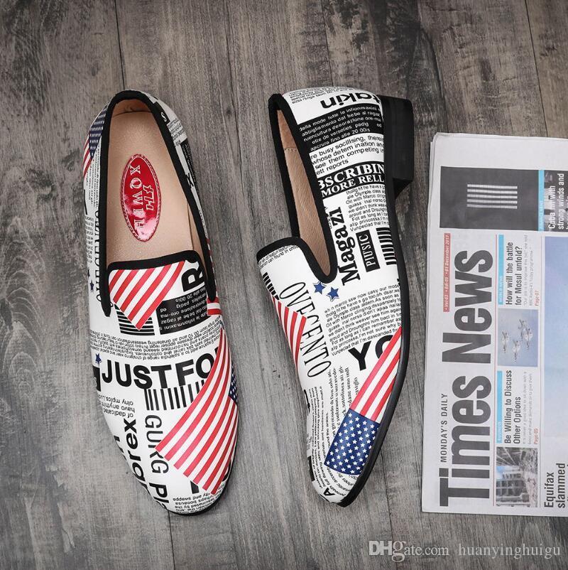Mode homme à la main Imprimer Chaussures Casual Avec anglais complet lettres Slip-on Mocassins de soirée de mariage Hommes robe Chaussures fumeurs chaussons Y194