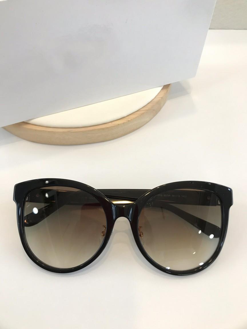 Top qualité 7151 classique pour hommes, femmes lunettes de soleil populaires mode femmes d'été de style lunettes de soleil lunettes UV400 viennent avec le cas