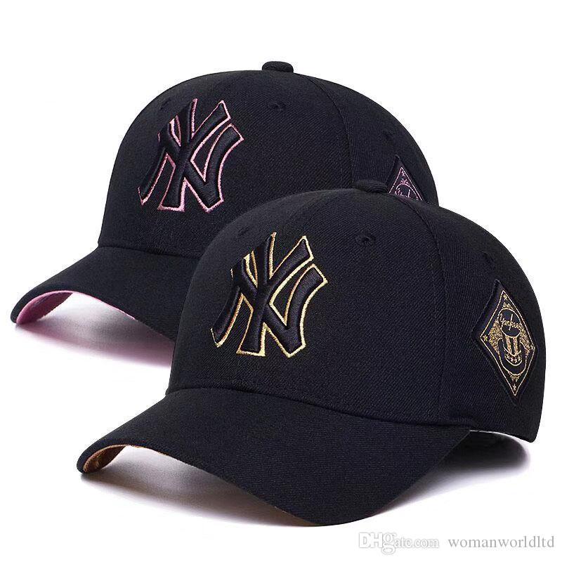 Printemps Été Designer Marque de mode Hip Hop Chapeaux réglable Lettre noir blanc rose brodé de base-ball Chapeaux pour hommes et femmes