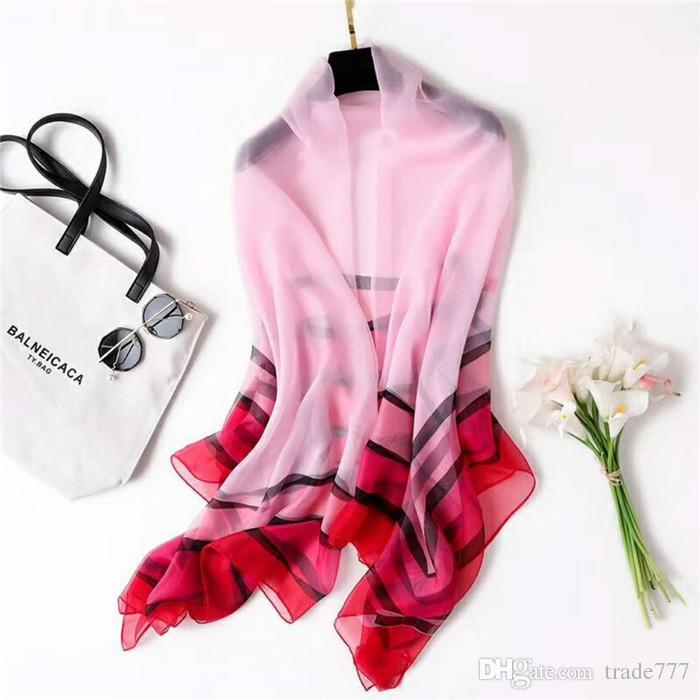 Moda para mujer bufanda nueva seda bufanda delgada raya impresión grande mantón toalla de playa tres colores para elegir