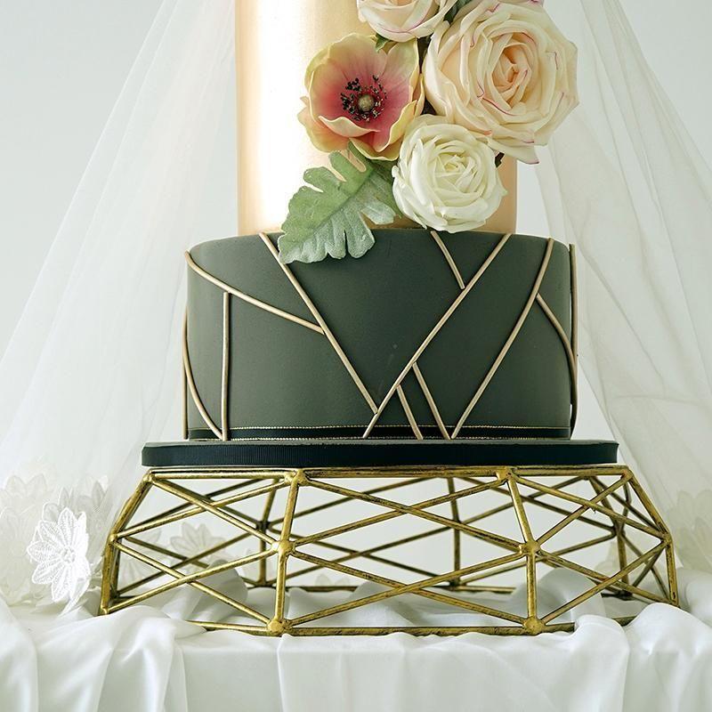 기하학적 모양 트레이 빈티지 골드 / 디저트 중공 아웃 파티 테이블 장식 바구니 케이크 실버 케이크 도구 스탠드