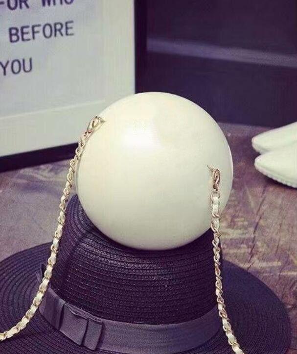 Weiße Perle Kugel Handtasche Entwerfer-Schulter-Beutel-Art- und Acryl-Kupplungs-Mappen-Frauen-Minipartei-Beutel-elegante Perle Armband Rucksack