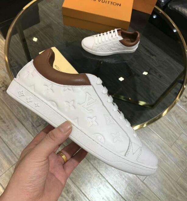 2020 veludo preto belas grossas de sola das sapatilhas casuais venda quente couro cor sólida sapatos sapatos boutique das mulheres dos homens e # 02LV