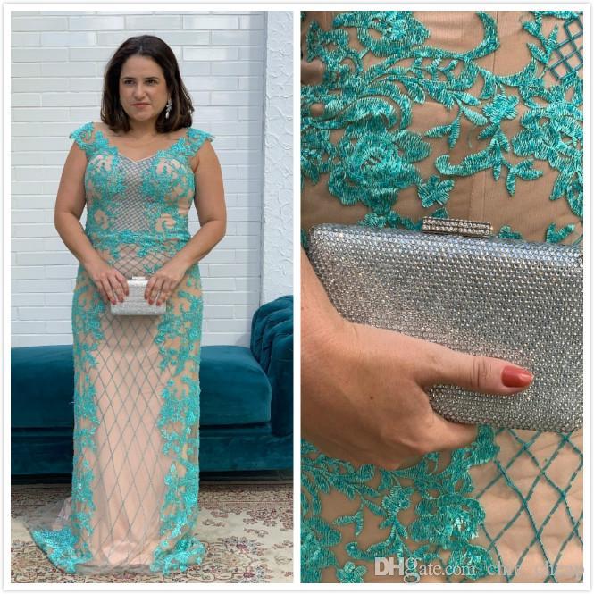 Sexy Lace Plus Size 2019 Vestidos para madre de novia Con cuentas Mangas casquillo Sheer Neck Vestido de fiesta para fiesta de noche