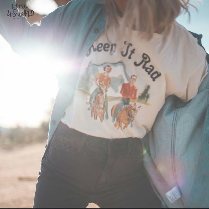 Unico scollo a V design modale donna maglietta Estate Maniche corte Oversize White Top T Vintage magliette equitazione maglietta Donne pantaloni a vita bassa