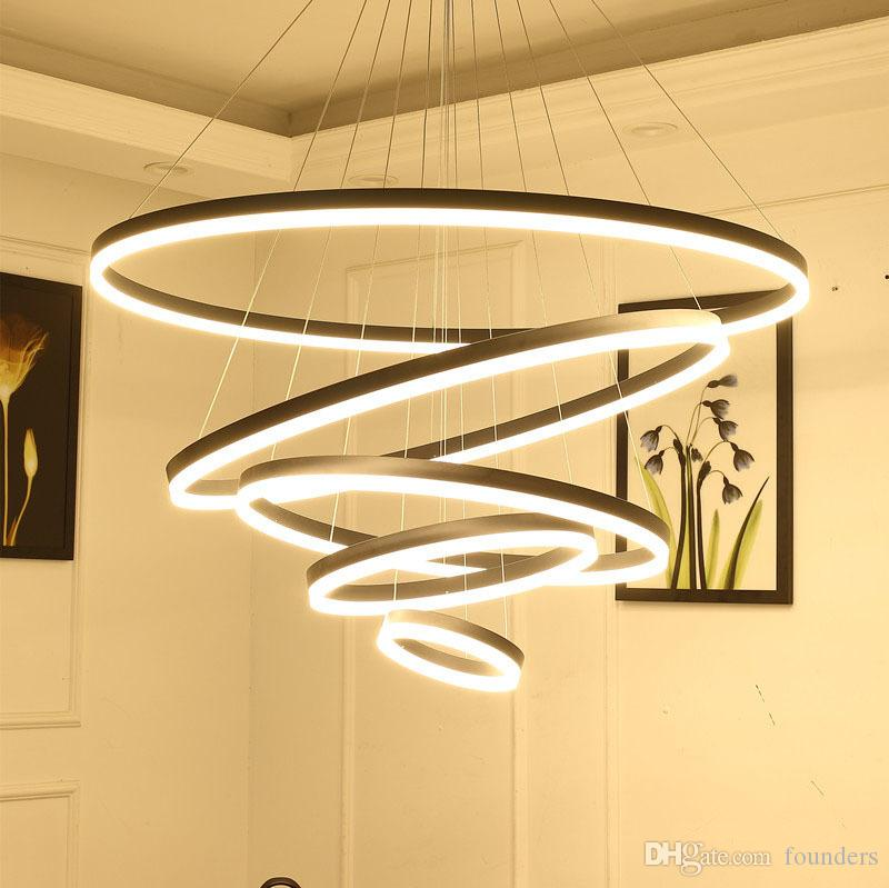 Modern LED Lampadari Lampadari per mangiare Soggiorno Soggiorno Anelli Luce Luxury Lust Ore Lampada a sospensione nera bianca con telecomando