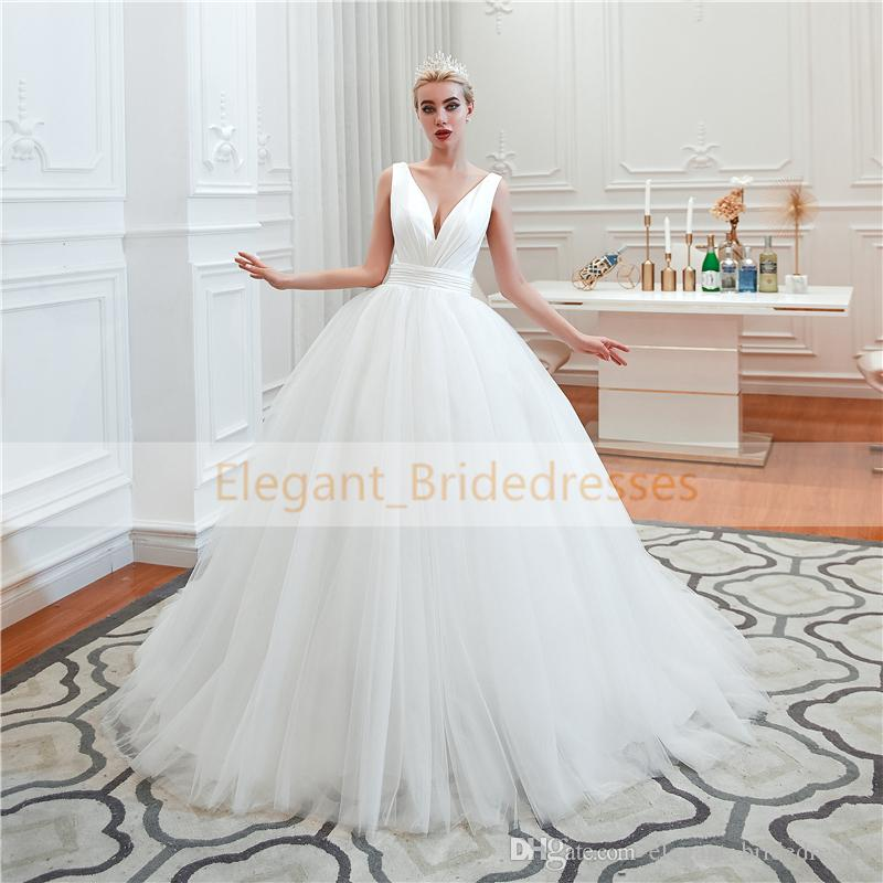 Robes de mariée Vintage 2019 V Cou Princesse Robe de mariée Robe de mariée Robe à volants Blanc / Ivoire Robe de mariée royale Robe de mariée