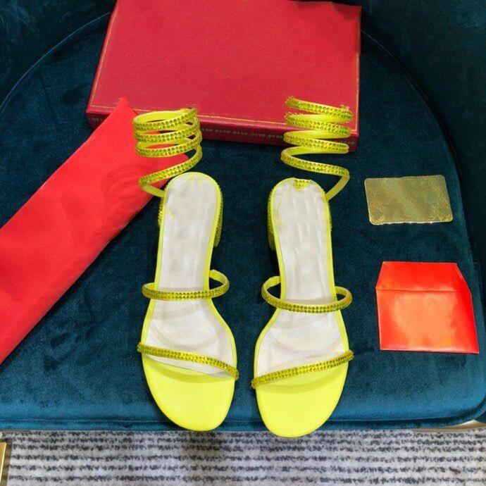 Weinlese-Frauen Sandalen Designer-Schuhe Diamant Sandalen Luxuxkristallglas Slippers Chaussures Partei Hochzeitssandelholze 4.5cm Mid Heels Gelb Leder