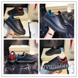 2020 El diseñador de moda de alta calidad de las zapatillas de deporte ocasionales para los hombres mujeres de lujo aumento de zapatos grandes m05