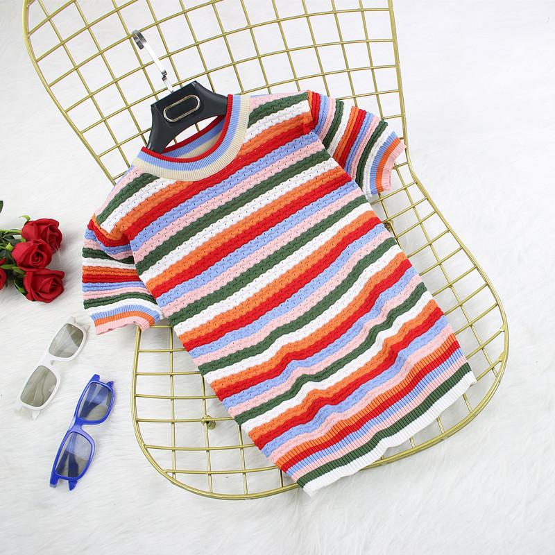T-shirt listras do arco-íris de gelo de seda em torno do pescoço de manga curta T-shirt cor feminina camisola de verão nova camisa assentamento fino Moda Mulheres do