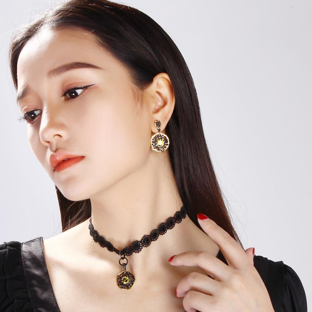 2021 Dreamcarnival 1989 Ethnic Flower Jewel Earrings For Women Dangle Hollow Out Olivine Yellow Color Cz Pendientes Gothic Earing E20 Sh190930 From Hai10 8 34 Dhgate Com
