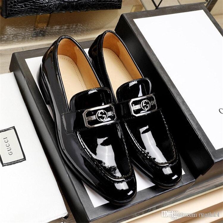 18SS Luxury Brands piano in pelle Fashion Dress uomini d'affari fannulloni a punta le dita dei piedi scarpe nere Oxford traspirante scarpe da sposa Formal YYY11