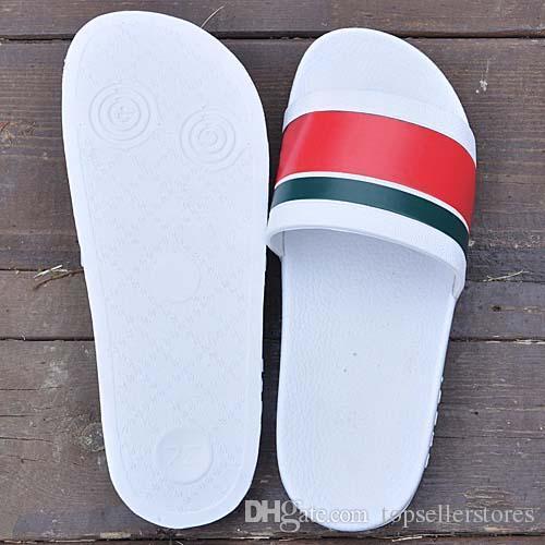 Diseñador de moda clásico Zapatillas Hombres Mujeres marca de diseño de verano Diapositivas de lujo zapatos de playa de las mujeres sandalias al aire libre Online