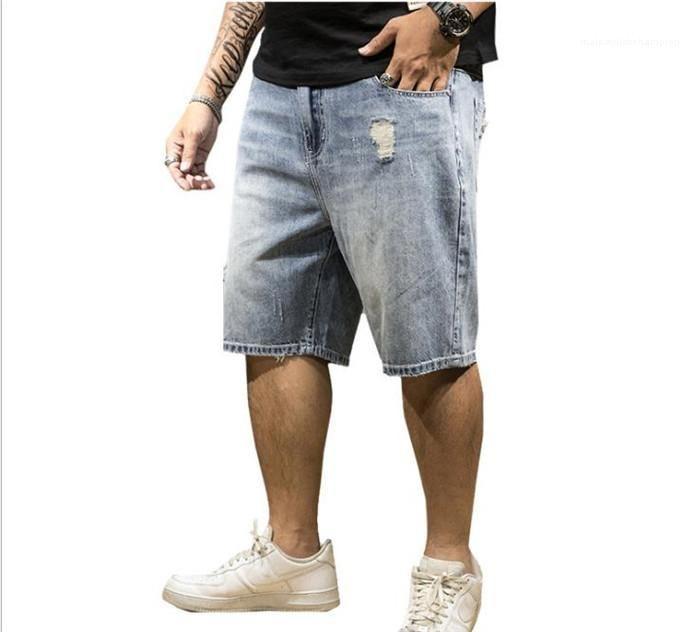 Дизайнер Свет Омывается джинсовые штаны Мужчины Увеличенные Straight колена Выстрелы 7XL Mens Плюс Размер отверстия Короткие джинсы Лето