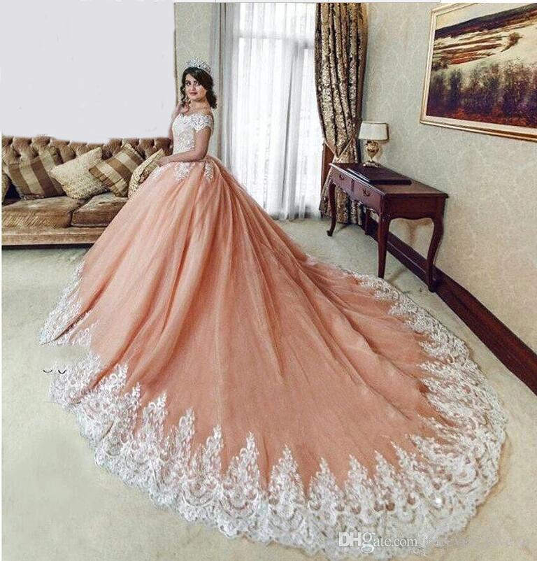 Sri Lanka Haute Couture épaule Princesse Puffy Ball Robe de mariée Robe Passementerie de couleur Robes de mariée avec Train Royal