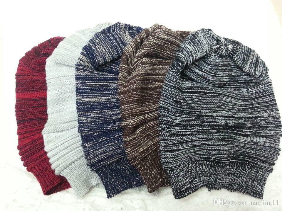 2018 새로운 도착 모자 소녀 패션 숙녀 Unisex 겨울 뜨다 Plains 모자 모자 니트 해골 Beanies 캐주얼 스키 5 색 무료 배송
