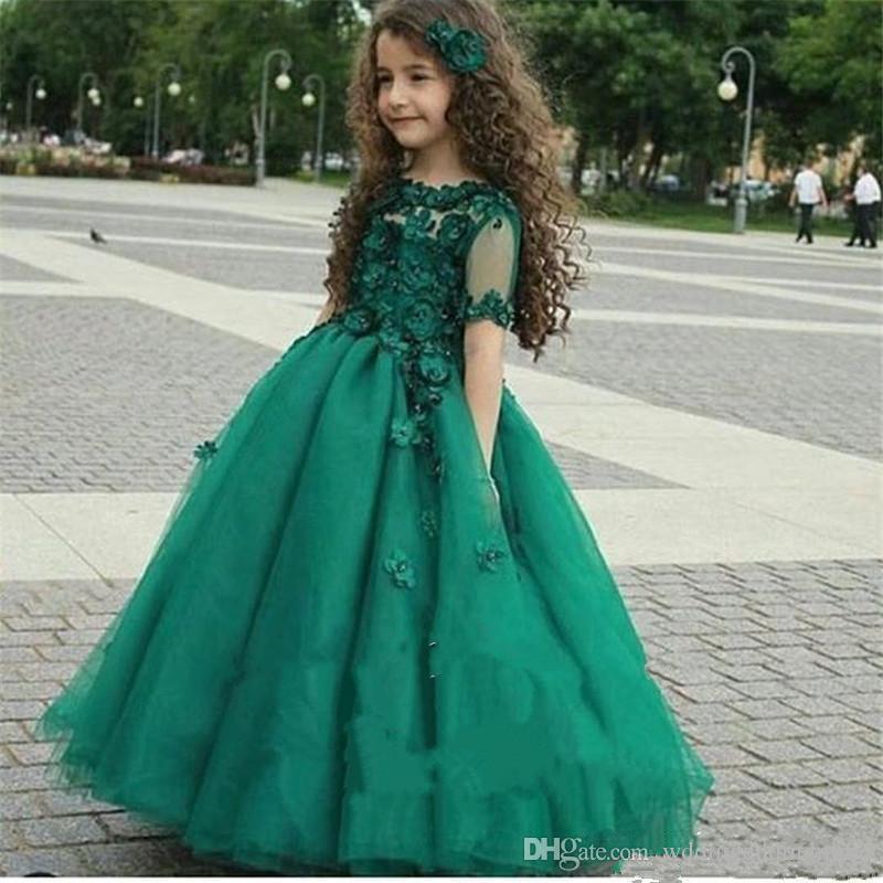 2019 Cute Emerald Green Girls Pageant Gowns Sheer Short Sleeves Princess Ball Gown Kids Formal Dresses Wear Flower Girl Dresses for Wedding