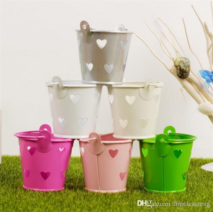 6 di nozze di colore della caramella di favori Metal Box Mini latta Hollow secchiello con manici accessori per la casa dei bambini sacchetto del regalo di nozze decorazione del partito Event