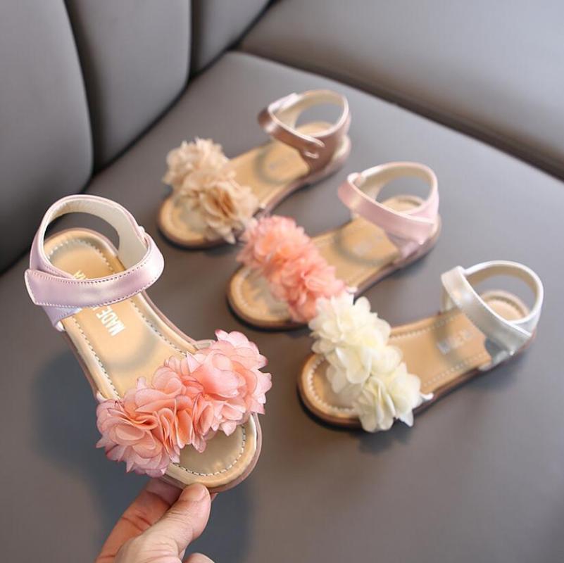بنات صنادل الصيف الأزياء والأحذية الصلبة اللون أحذية جلدية زهرة شقة صنادل شاطئ اطفال للالأميرة حذاء مضاد للانزلاق