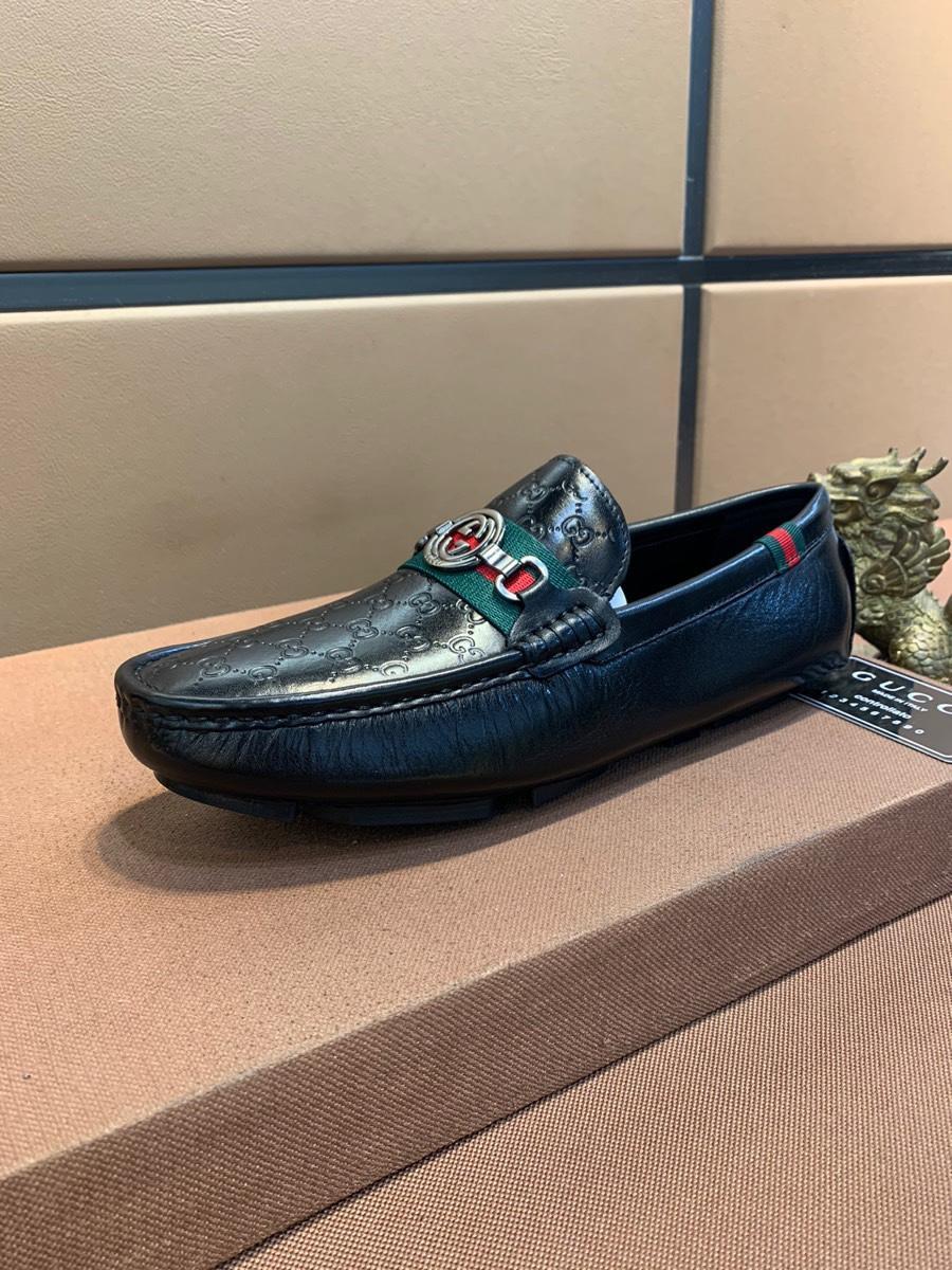 2020 chaussures occasionnels hommes haut de gamme en cuir britannique vache mode confortable, perméable à l'air, paresseux, et la semelle extérieure en caoutchouc antidérapant résistant à l'usure 09486