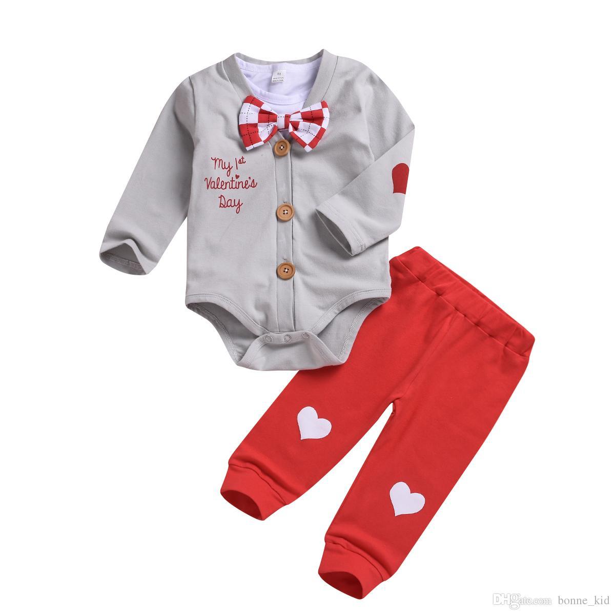 عيد الحب السروال القصير الطفل ملابس الأولاد + قميص + بنطلون 3 قطعة مجموعة ربطة قلب أحمر soild القطن طفل رضيع ملابس ملابس 0-24M