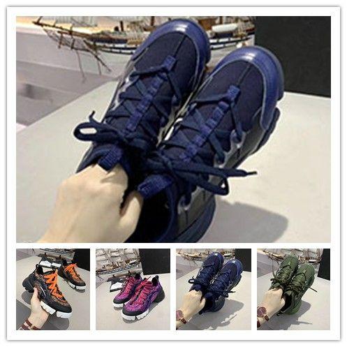 Moda Sneaker Cunhas Flats Platform Vestido Loafers Canvas Trainers Designer de luxo de couro branco preto mulheres sapatos casuais 1y37