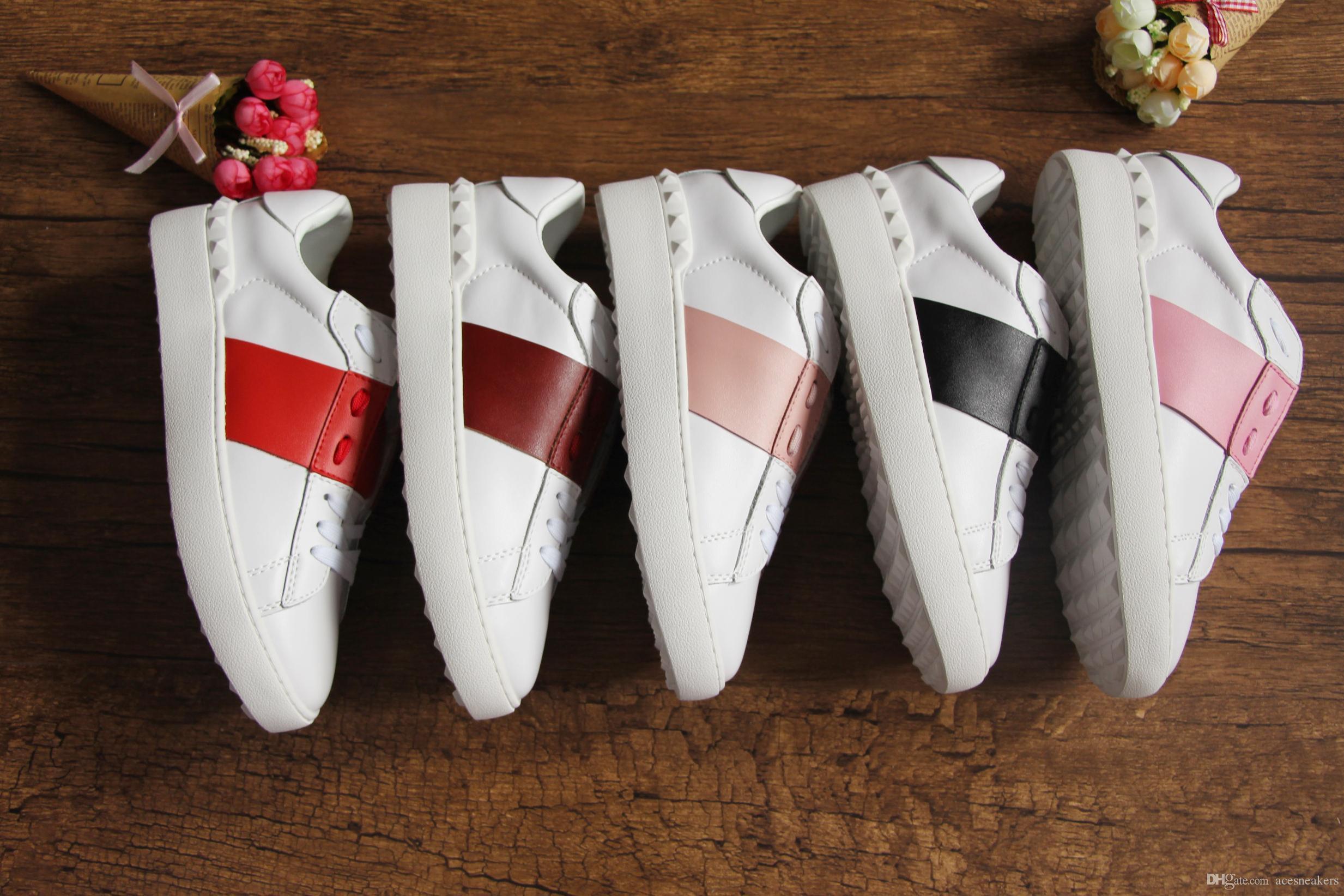 Heiße neue mode männer öffnen designer schuhe hochwertige weiße männer paar echtes leder designer sneaker bunte streifen casual schuhe für frauen