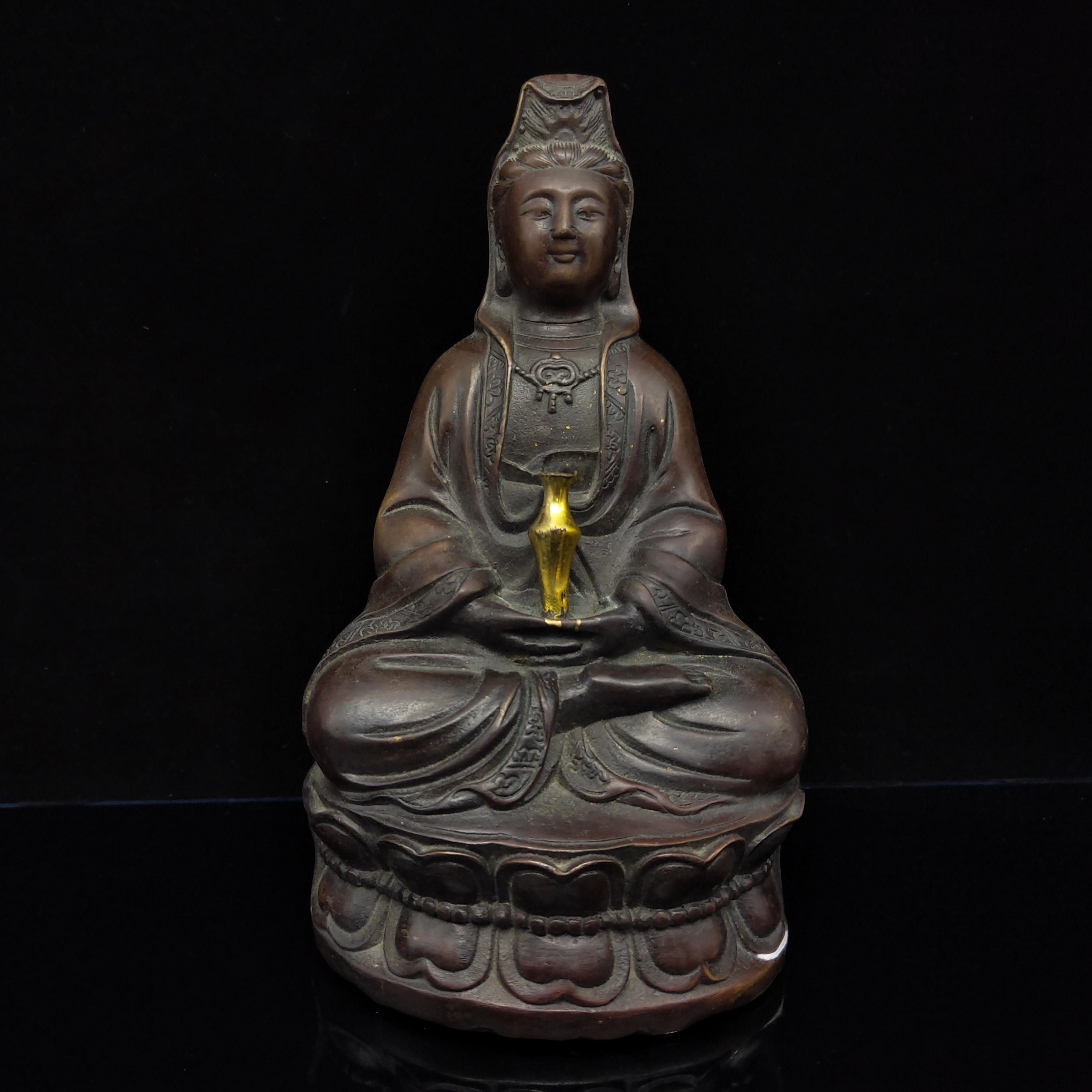 Chino cobre rojo antiguo dorada estatua de Buda Guanyin Xuna De W Marcos HT061