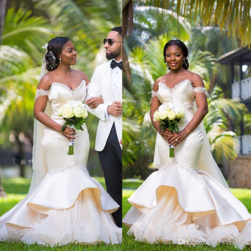 2020アフリカのウェディングドレスクリスタルプラスサイズのセクシーなブライダルガウン背中のマーメイドの花嫁のドレスビーズローブデマリエ