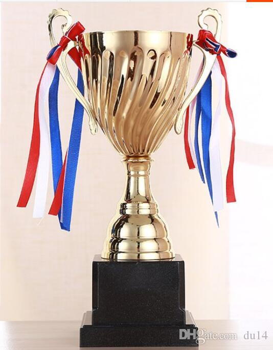 New Creative Metal Cup Crystal Crafts Souvenirs for Large School Competitions soccer shooter trophy Wholesale factory