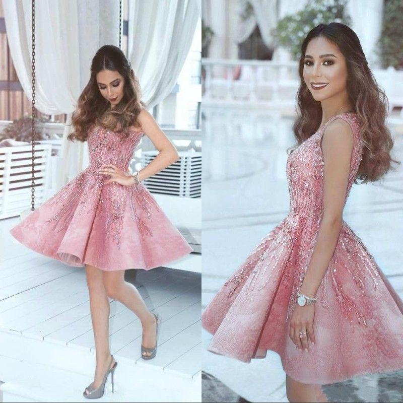 2020 Robe rose arabe Robe Homecoming Robes d'une ligne V cou applique perles longueur genou Longueur courte courtes robes de soirée à glissière