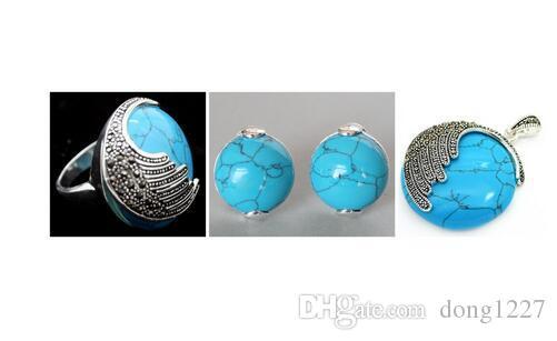 Vintage Azul jade anime de placette de mariage est tombée en arrière-plan pendant la nuit