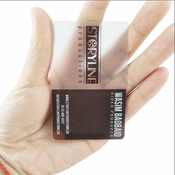 (300PCS / الكثير) بطاقة شفافة أعمال مخصصة، بطاقة غير لامع شفاف، طباعة بطاقات الأعمال البلاستيك