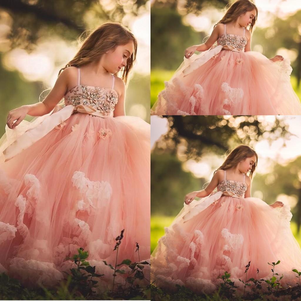 Blush Pink Дешевые Опухшие девушки цветка для венчаний шнурка аппликаций шариков с бантом оборками ярусами девушки Pageant платье Дети Причастия платье