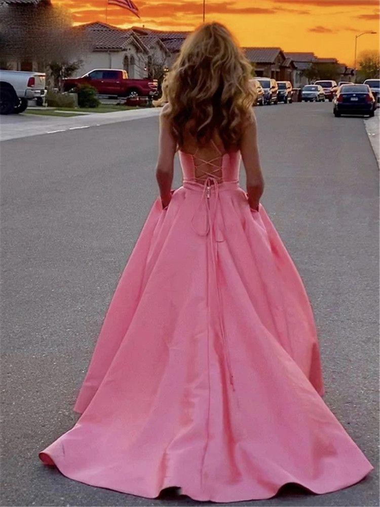 Rosa larga noche de raso de correas espaguetis con cuello en V de encaje arriba la parte posterior del vestido formal del partido del baile de la Mujer