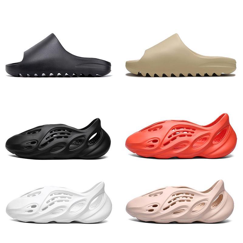 2020 Stock X kanye Slipper Uomo Donna Bone Earth Marrone Desert Sand Slide Resina scarpe firmate Sandali tripla schiuma nera Runner