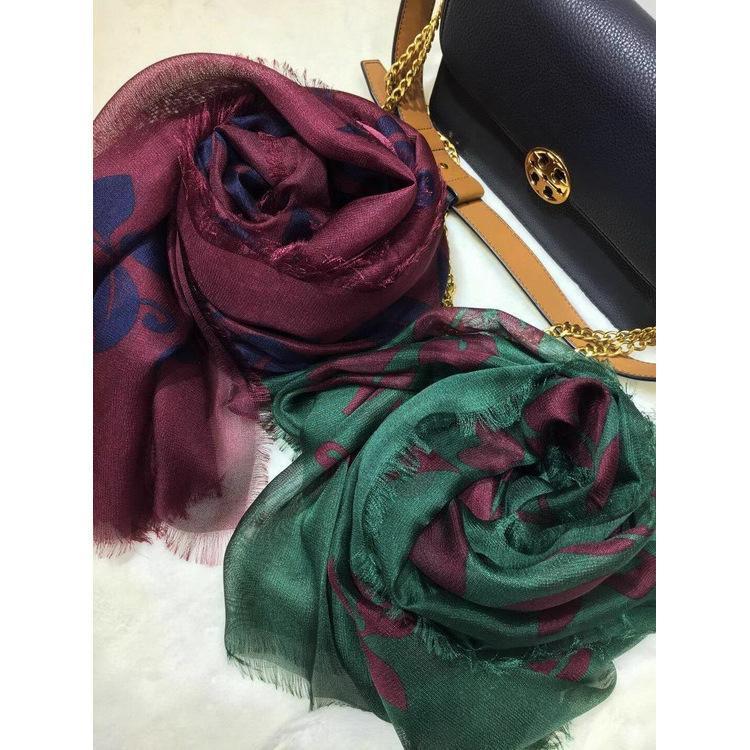 Hihg calidad de las mujeres del gusano de seda 100% de Si Xili la bufanda del hilado hojas verde oscuro del Vaticano bufandas de protección solar impresa borlas de seda chal que se pueden extraer