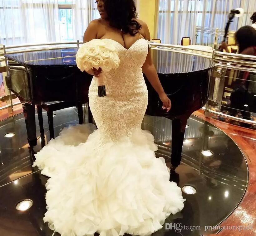 아프리카 플러스 사이즈 웨딩 드레스 연인 프릴이 인어 웨딩 드레스 레이스 백업을 얇은 명주 그물 레이스 신부 가운 두바이 아랍어 Vestidos