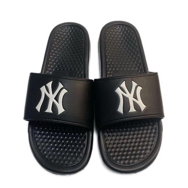Homens Mulheres Designerslippers Verão Brandslipper Praia Shoes Flip Flops Luxo Mens Loafer Slides Mulheres Designerslipper 2020513K
