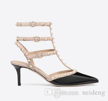 La venta caliente punta estrecha patente de los pernos prisioneros de los remaches de cuero de zapatos de mujeres de las sandalias de tiras con tachuelas de vestir valentín 10CM 6CM ShoesC00252 de tacón alto