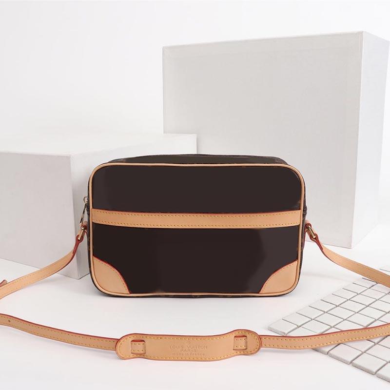 Marchio a tracolla delle donne del messaggero Borse Designer flip borchie di lusso in pelle modelle Borse di lusso multicolore rainb New131-1