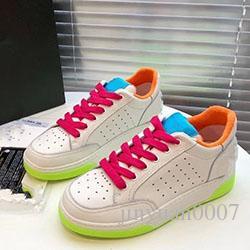 2020 Schuhe der neuen Frauen Schwarz-Weiß-Spitzen-up beiläufige Sport Frauen Schuhe atmungsaktiv wilde starke untere A014 Schuhe leichte Lauf